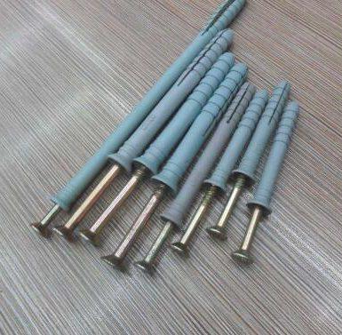 சுவர் பிளக்-பிளாஸ்டிக் விரிவாக்க குழாயுடன் கூடிய திருகு தட்டுதல்
